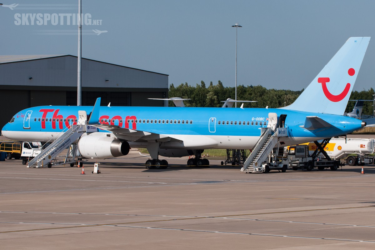 B757-Thomson-G-OOBC