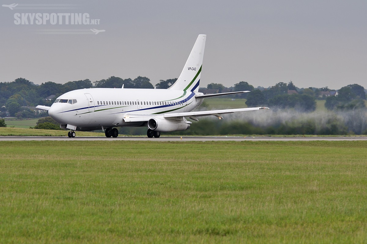 Boeing 737-200 , VP-CAQ , z wizytą na lotnisku Luton – LTN
