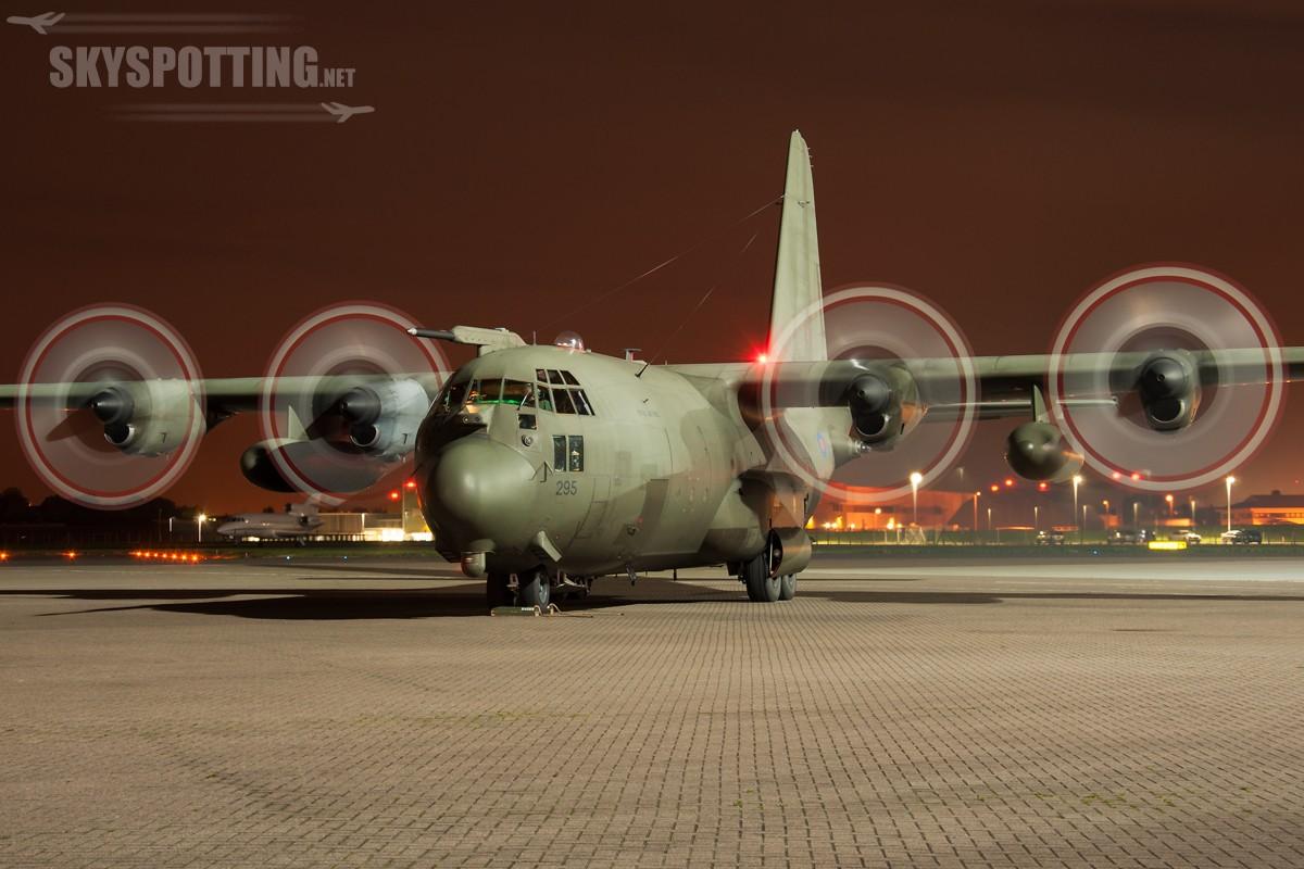 lockheed-C-130-Hercules-RAF-295