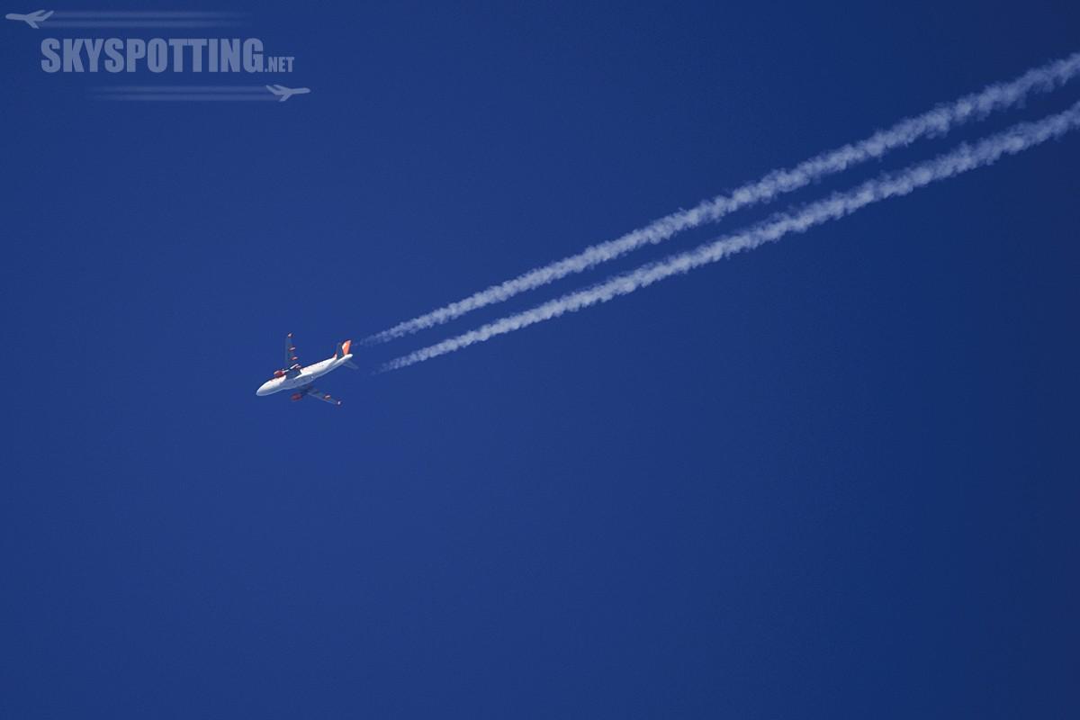 London Luton Airport  28-12-2013