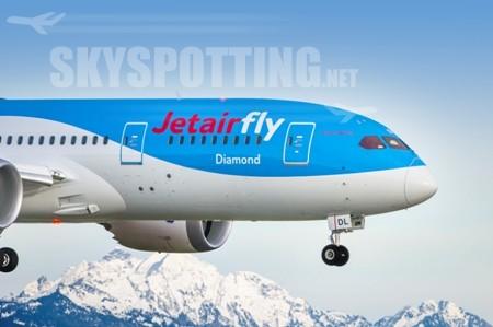 Boeing i Jetairfly świętują dostarczenie pierwszego samolotu 787 Dreamliner