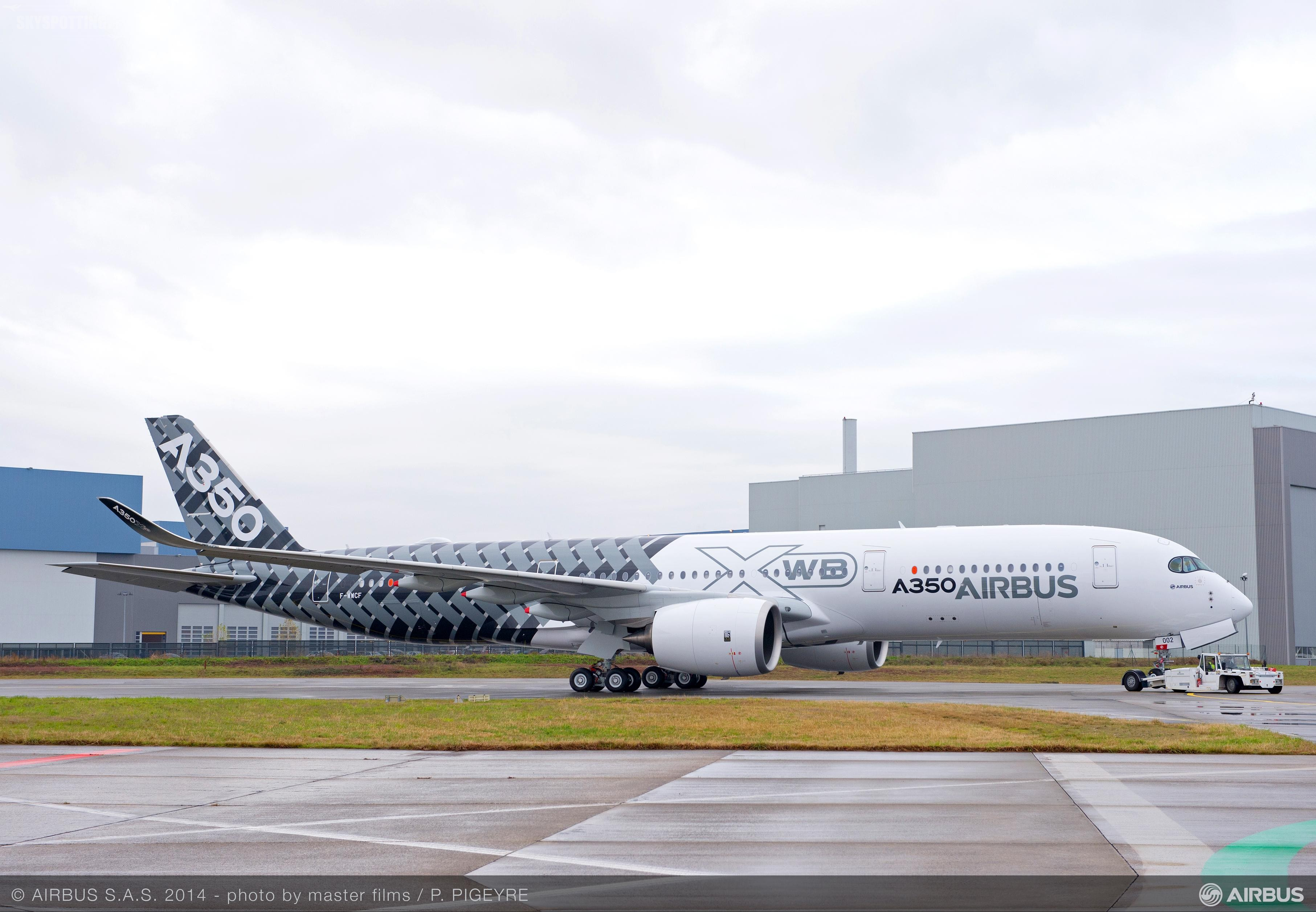 """A350 MSN2 w specjalnym malowaniu """"Carbon"""""""