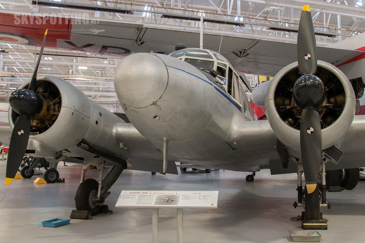 Avro-Anson-C19-TX219
