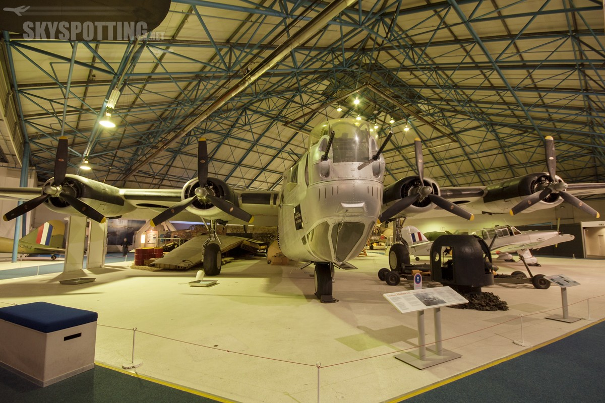 Consolidated-B24L-20-FO-Liberator-KN751-21