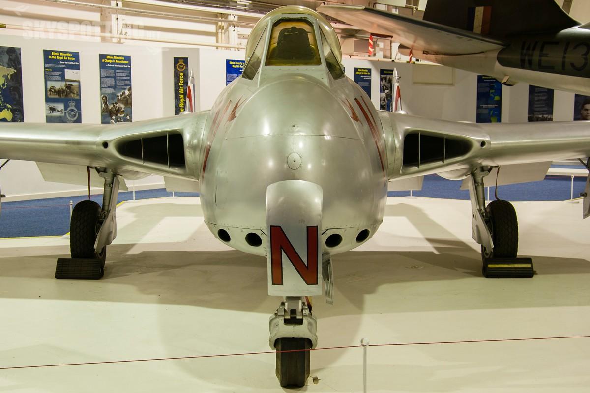 De-Havilland-Vampire-F3-VT812