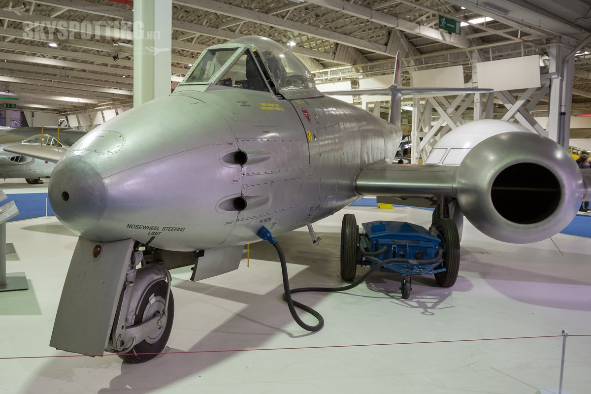 Gloster-Meteor-F8-WH301
