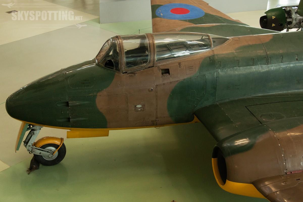 Gloster-Meteor-F9na40-DG202naG