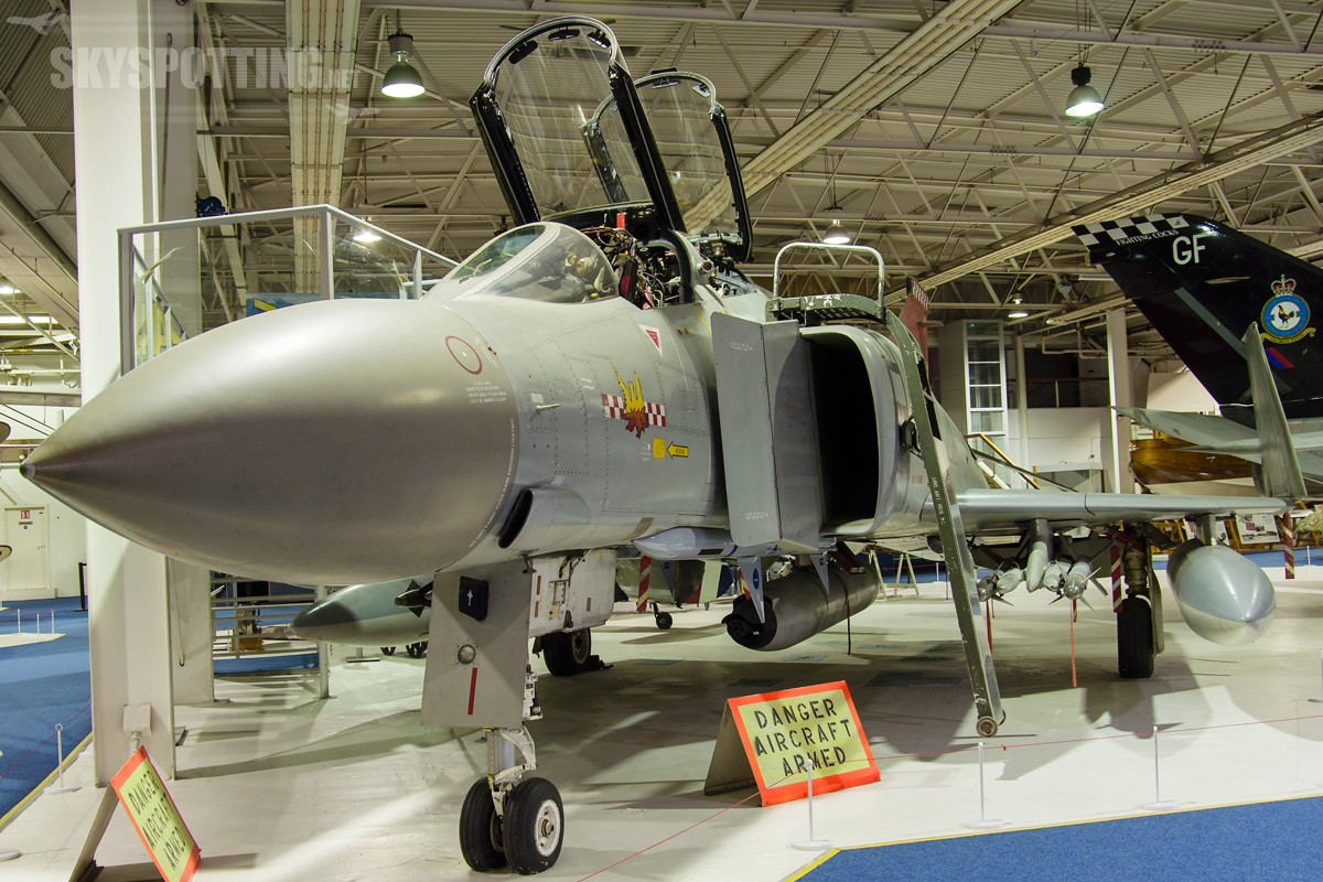 McDonnell-Douglas-Phantom-FGR2-XV424