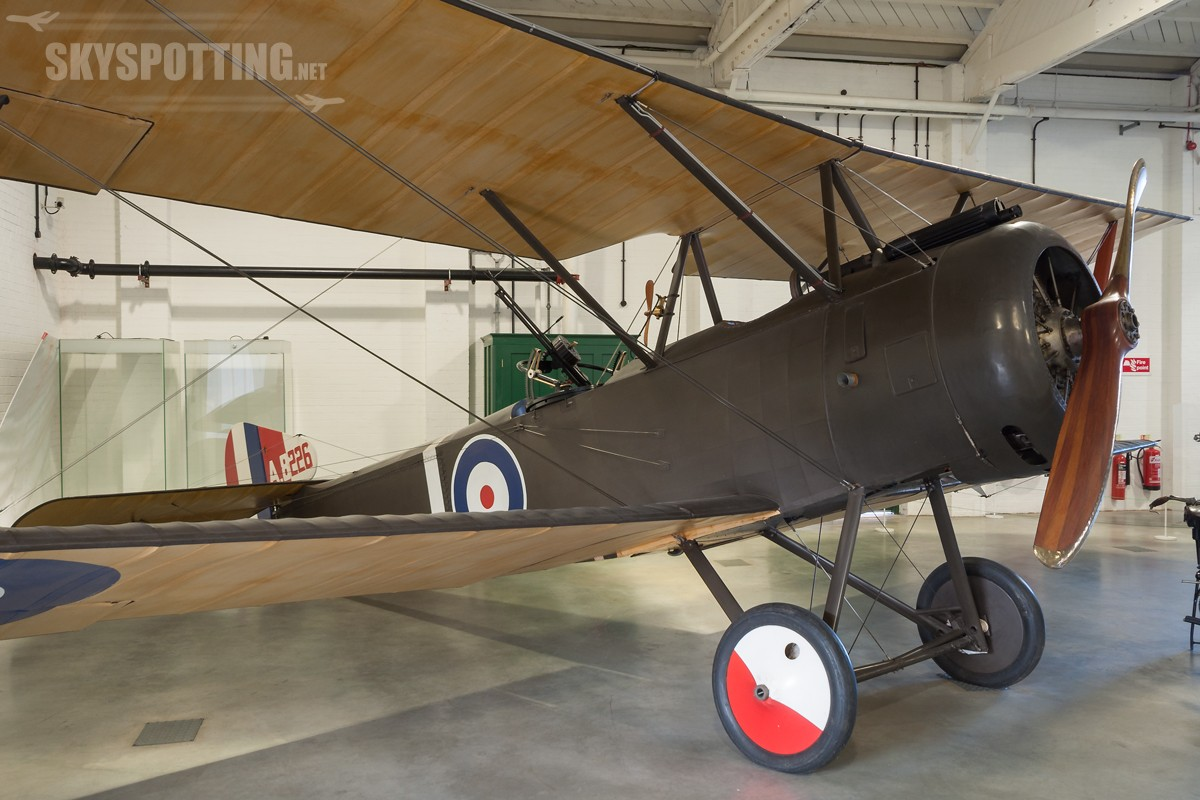 Sopwith-1½-Strutter-A8226