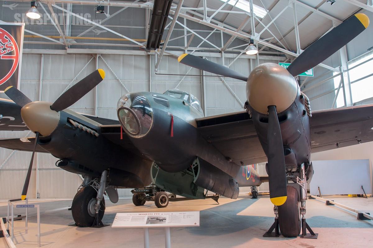 de-Havilland-Mosquito-TT35-TA639-1