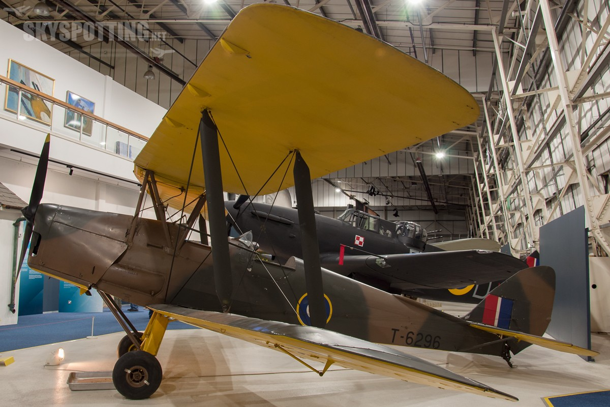 de-Havilland-Tiger-Moth-II-T6296