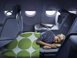 Finnair business_woman sleeping 02 Low