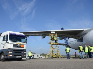 800x600_1397126296_A350_XWB_hot_fuel_certification_testing