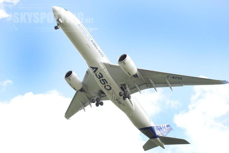 800x600_1397126300_A350_XWB_taking_off