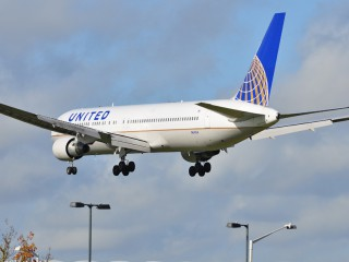N641UA , United Airlines Boeing 767-322/ER