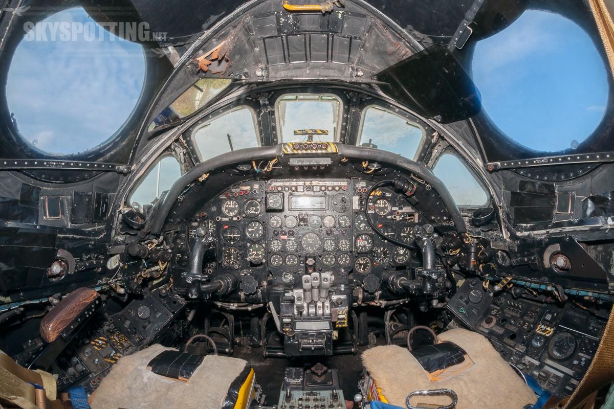 Avro-Vulcan-B2-XL360