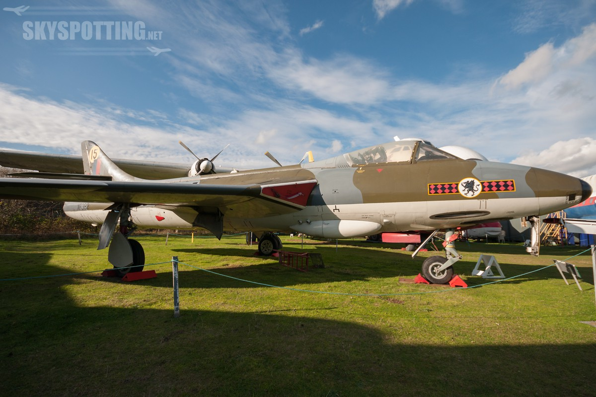 Hawker-Hunter-F6-XF382