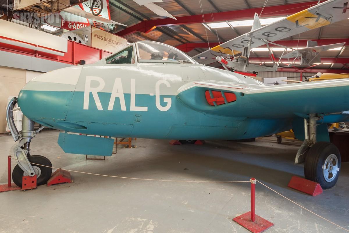 de-Havilland-Vampire-F1-VF301