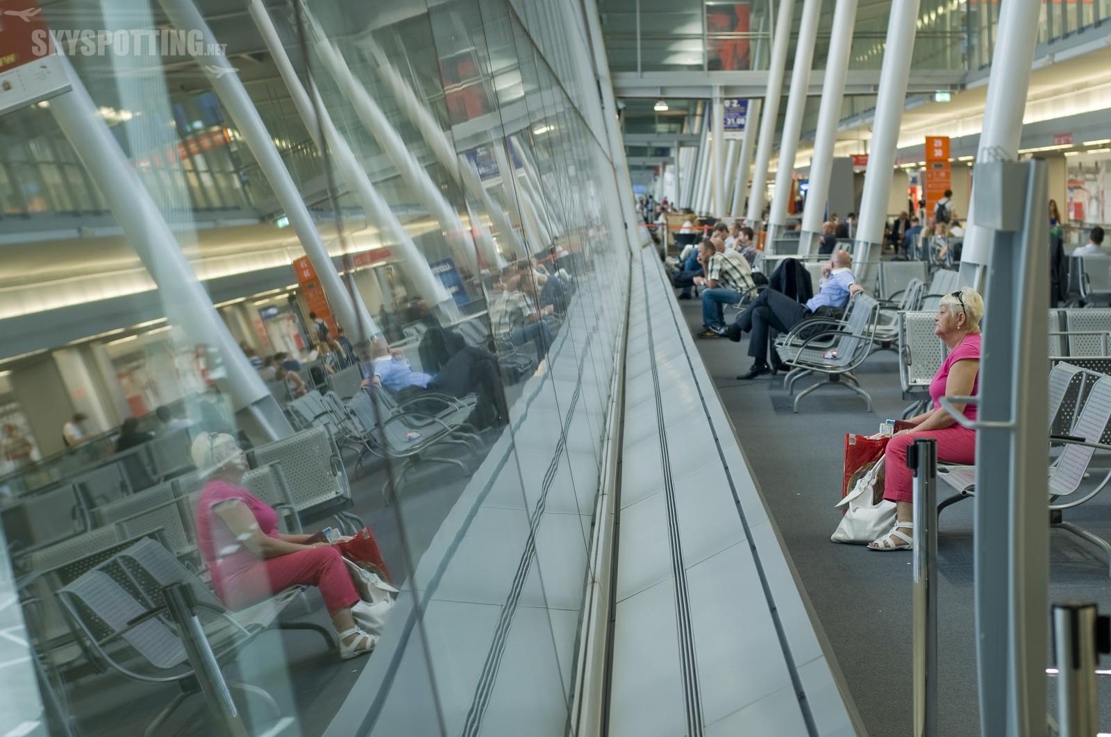 Styczeń: 7 proc. więcej pasażerów na Lotnisku Chopina