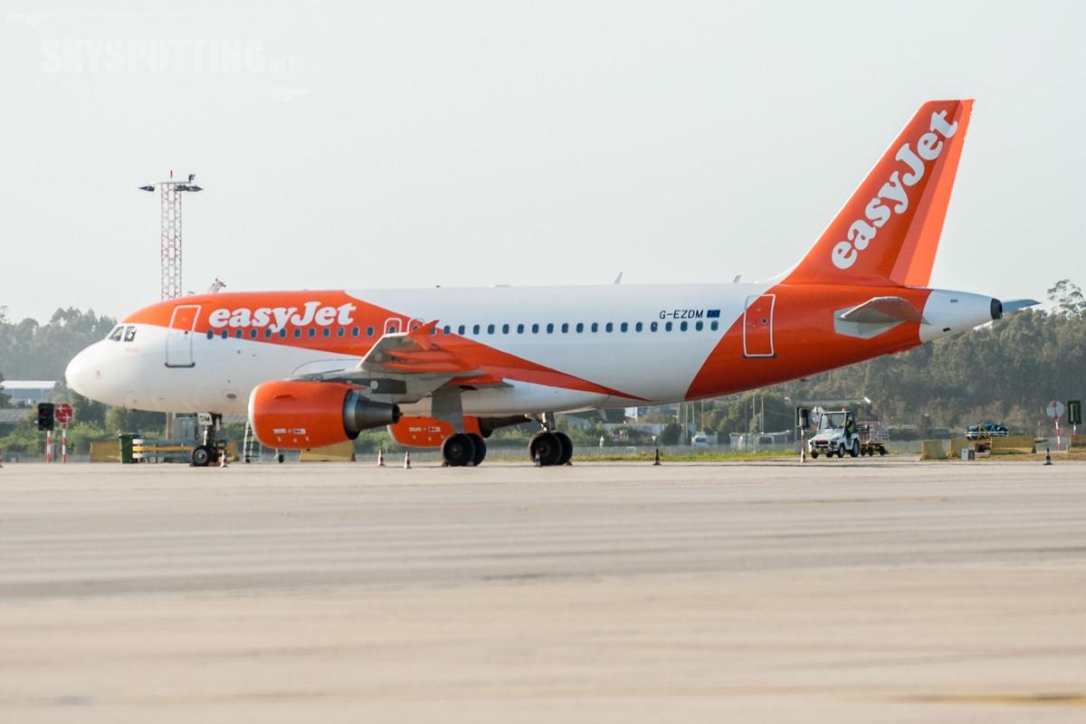 A320-easyJet-G-EZDM