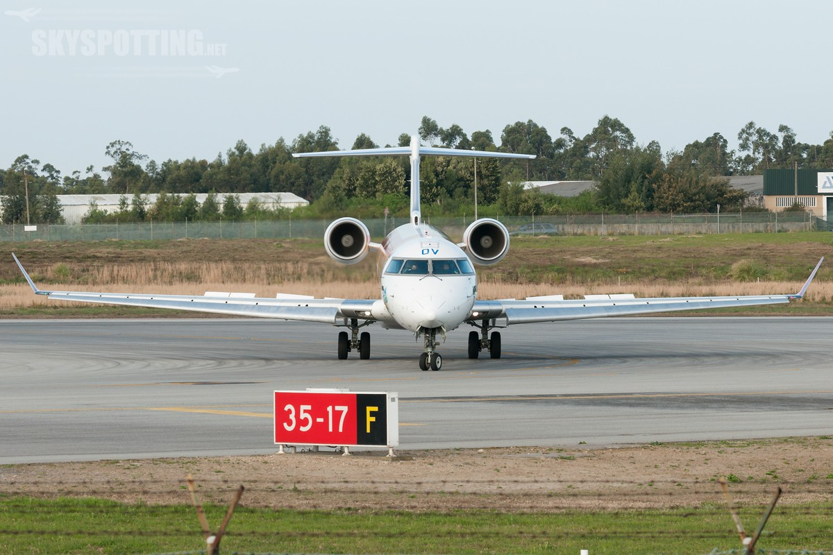 Canadair-CL-600-2E25-AirNostrum-EC-LOV-2