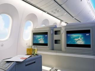 LOT_Business_Class_Dreamliner_3