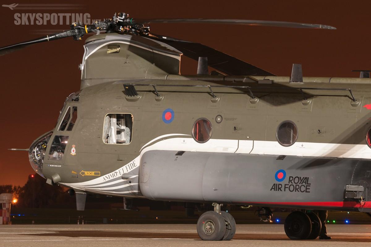 Boeing-Chinook-HC4-RAF-ZA712-2