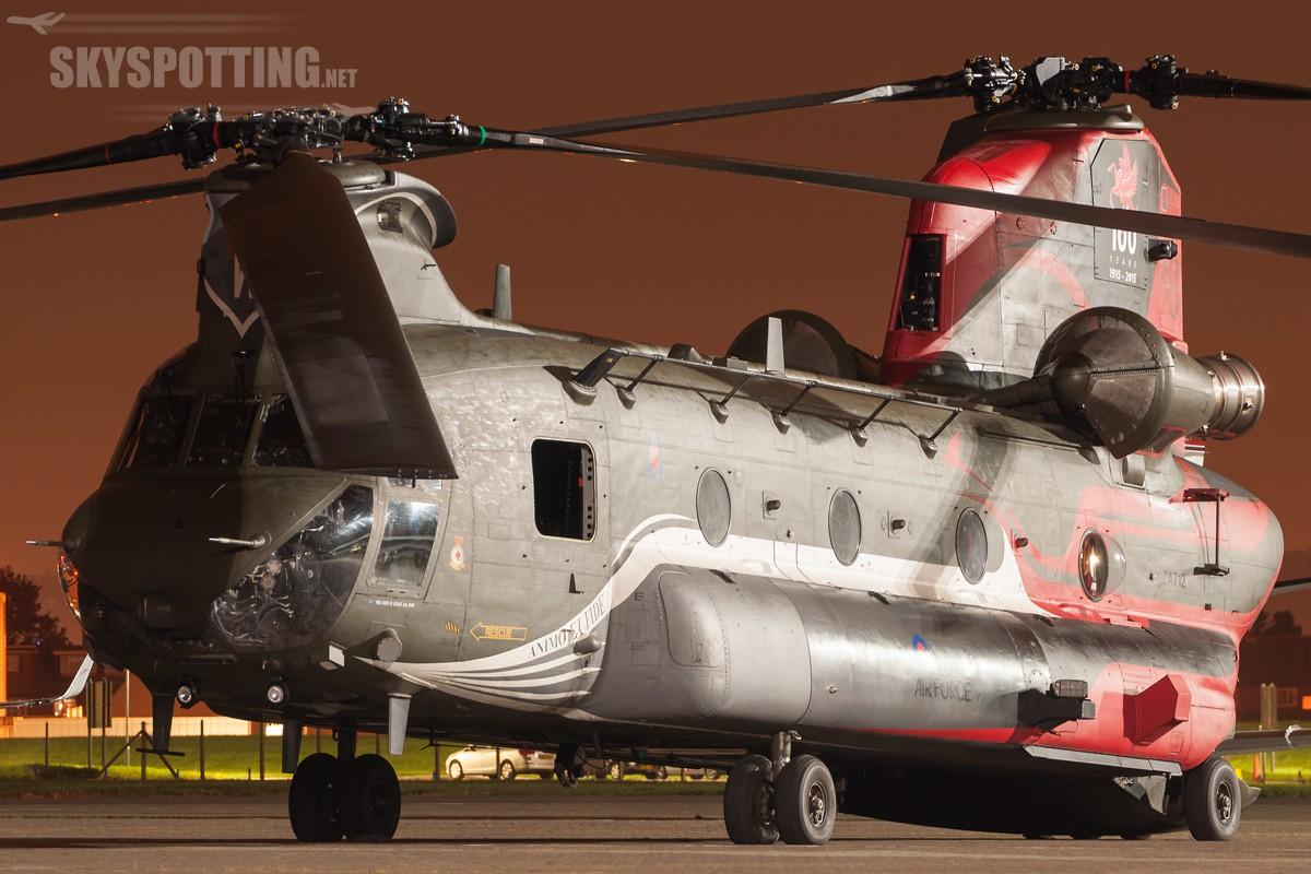 Boeing-Chinook-HC4-RAF-ZA712-3