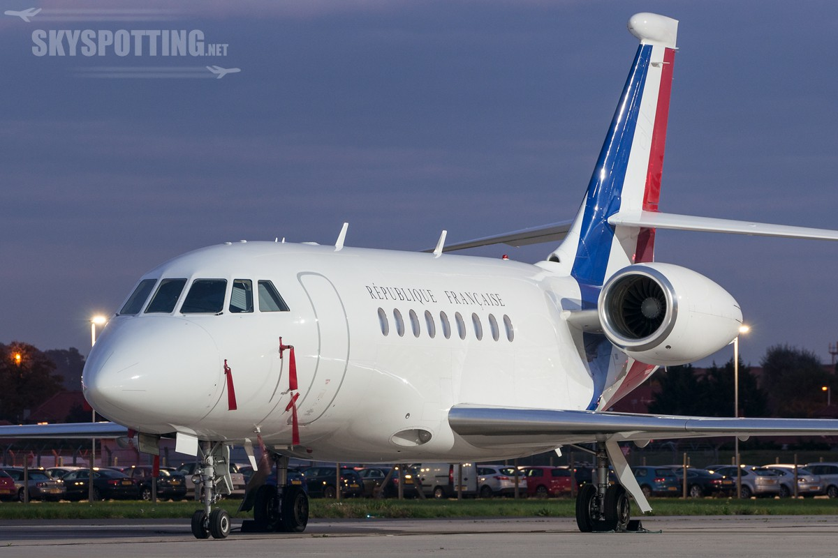 Dassault-Falcon-2000LX-French-231