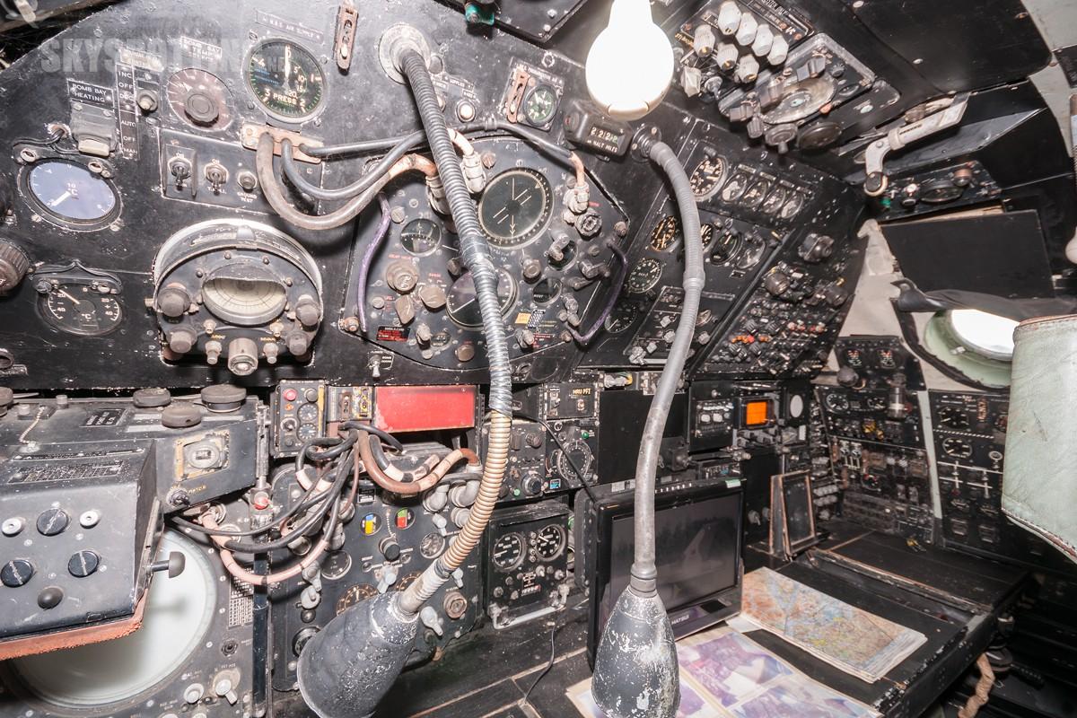 Avro-Vulcan-XH537-2