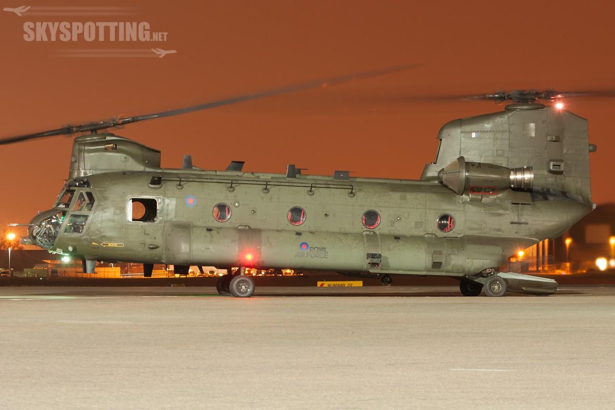 Boeing-Chinook-HC2-ZA681-2
