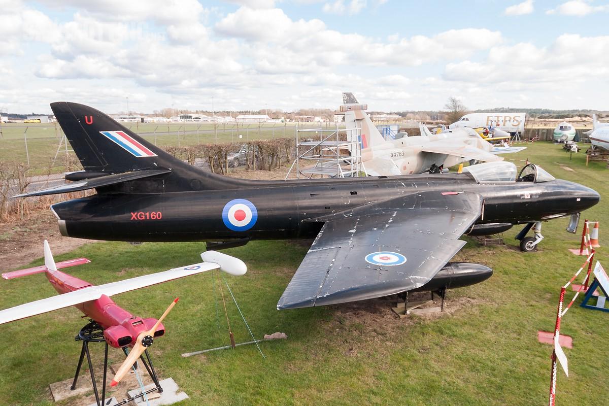 Hawker-Hunter-F6-XG160-2