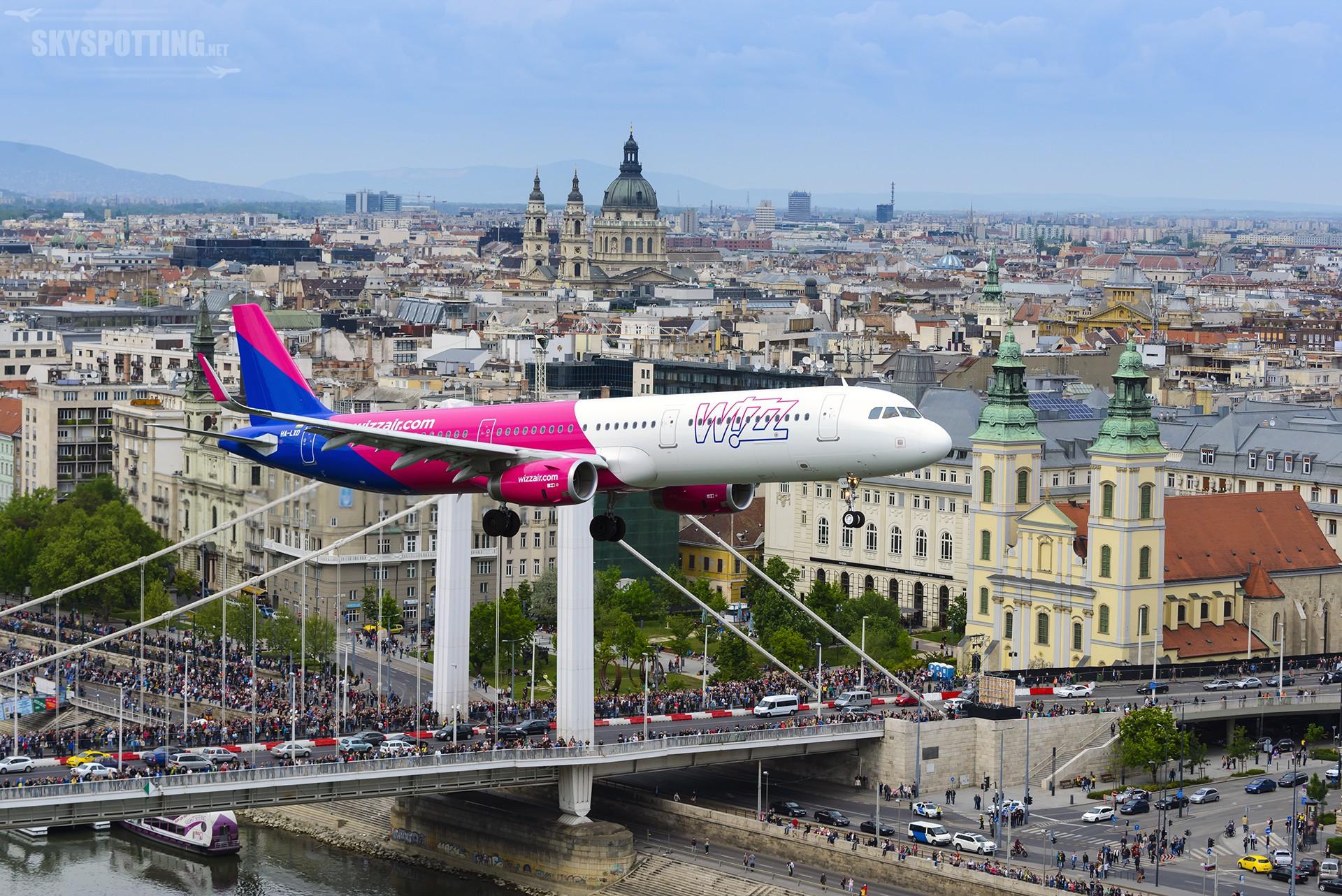 Najnowszy model samolotu Airbus A321 we flocie Wizz Air po raz pierwszy na pokazach lotniczych w Budapeszcie