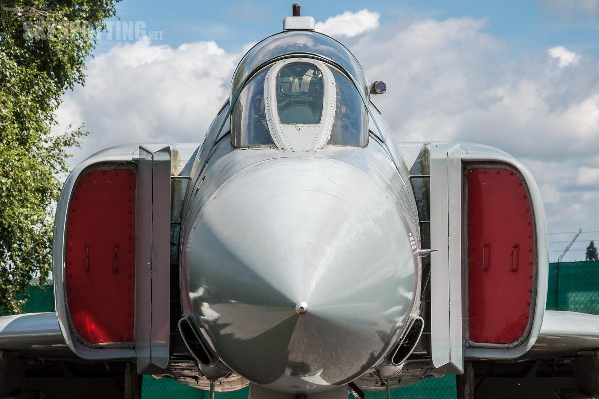 _DSC0020_1-McDonnell-Douglas-Phantom-FGR2-RAF-XV497