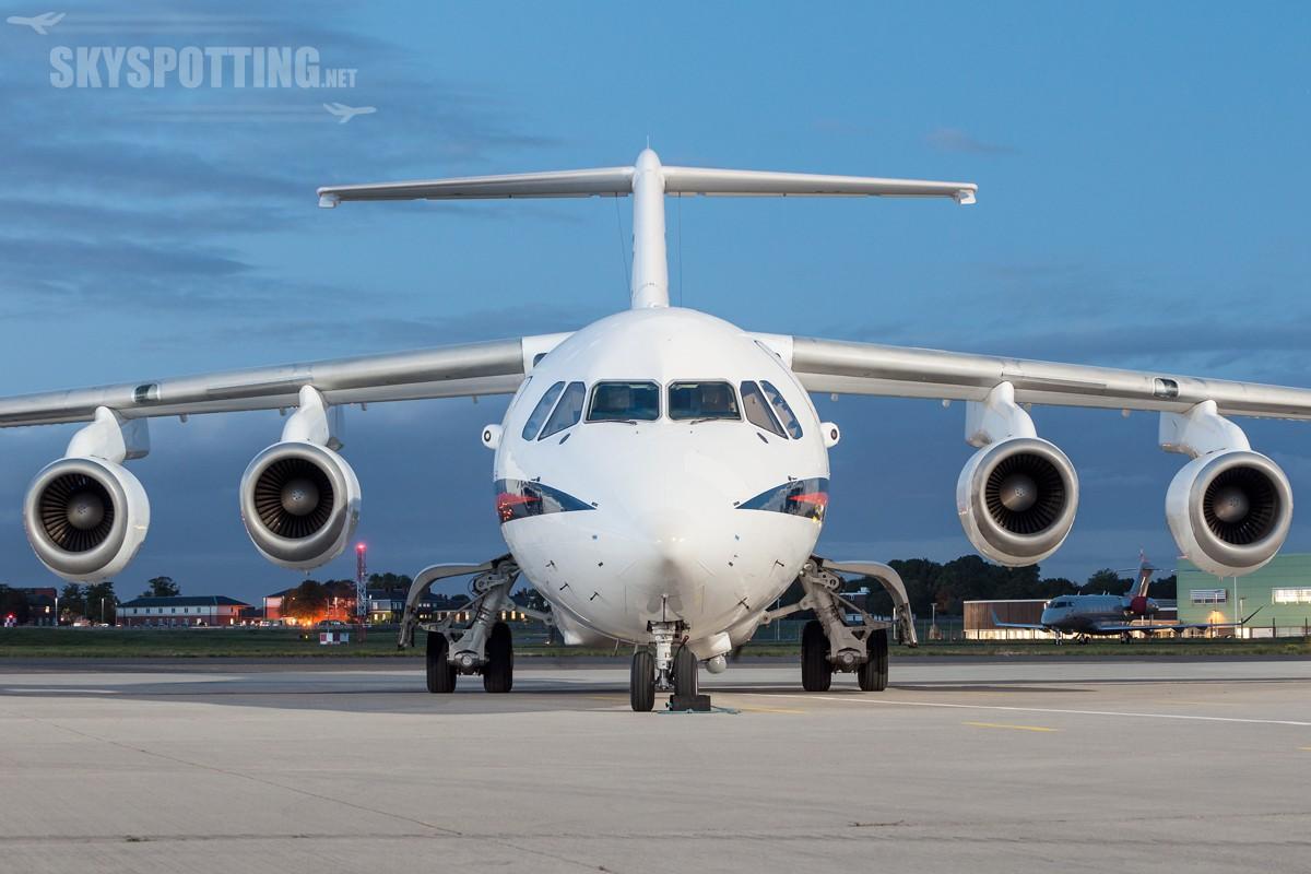 british-aerospace-bae-146-cc2-raf-ze700-2