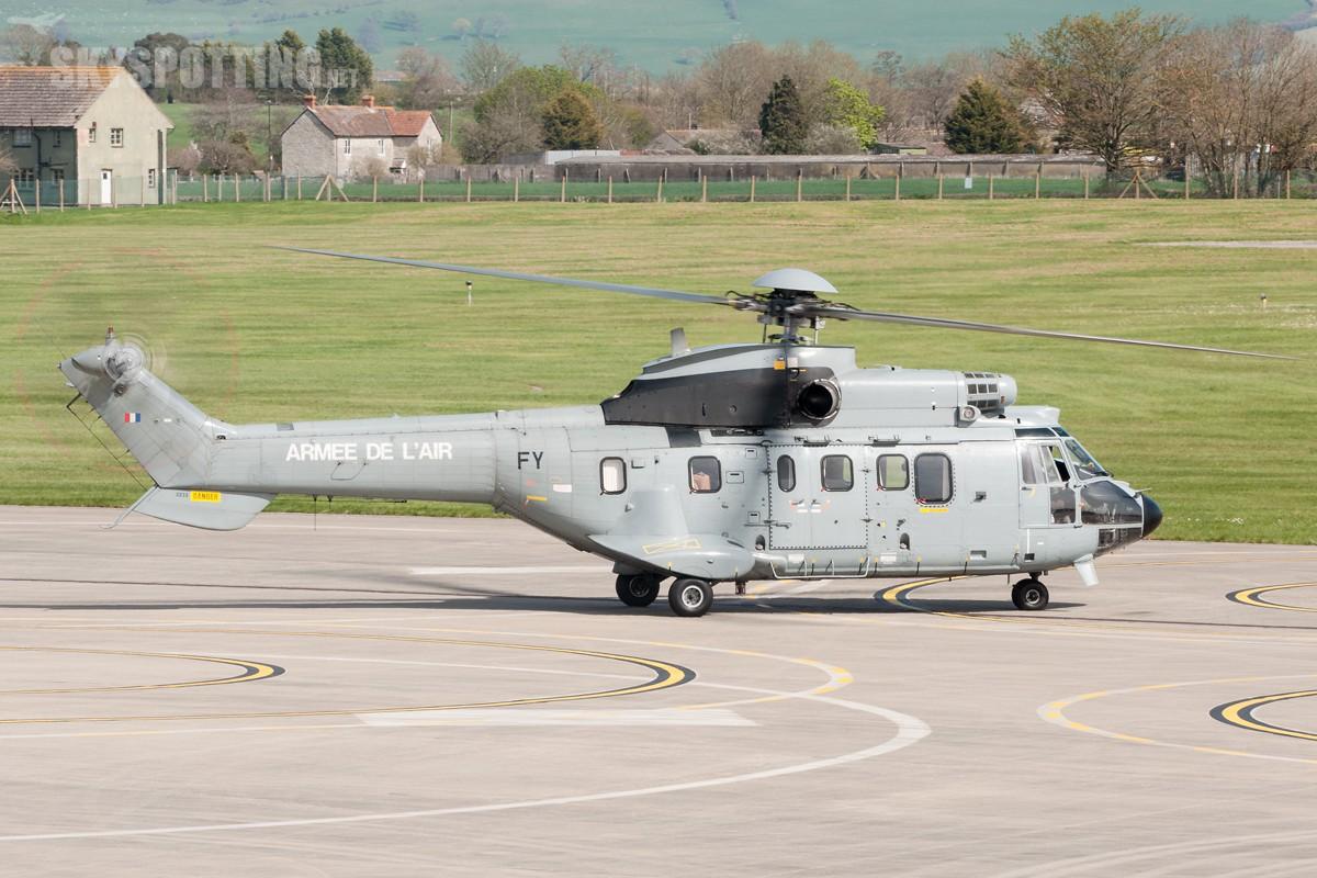 aerospatiale-as-332l1-super-puma-france-reg2233