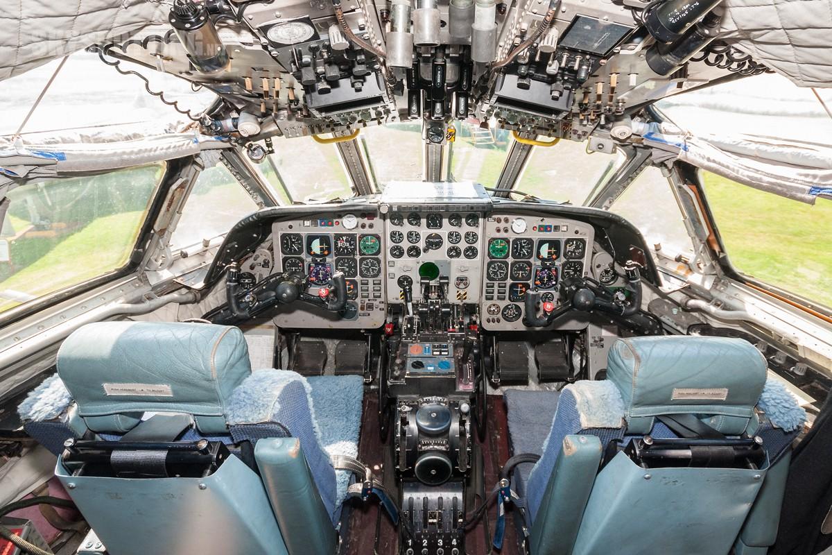 british-aerospace-nimrod-mr2-raf-xv255-010