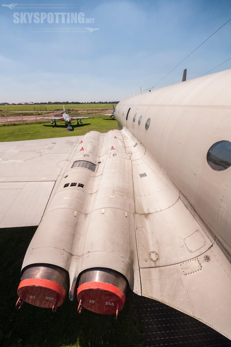 british-aerospace-nimrod-mr2-raf-xv255-03