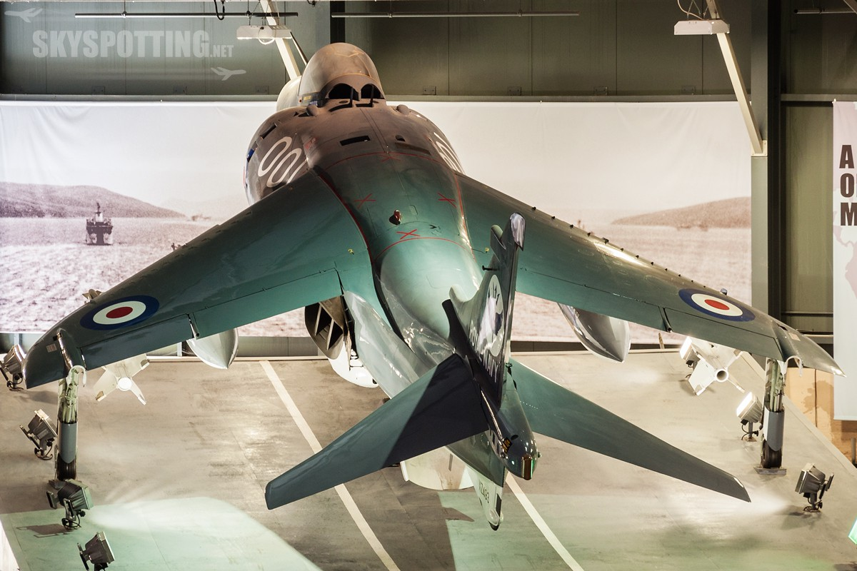 british-aerospace-sea-harrier-frs1-xz493