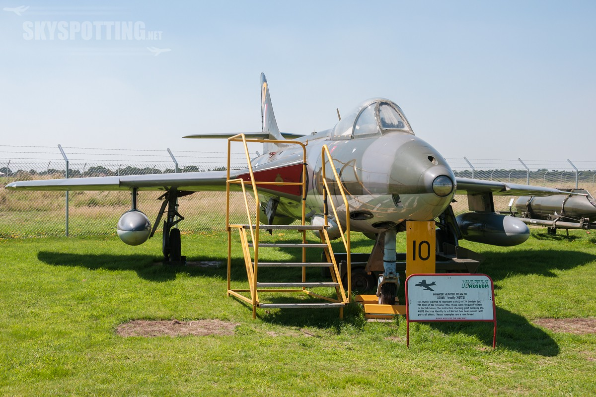 hawker-hunter-f6a-xg168-true-xg172