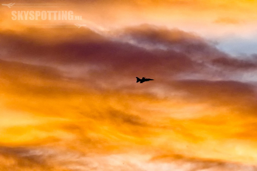 lockheed-martin-f-16-c-fighting-falcon-3