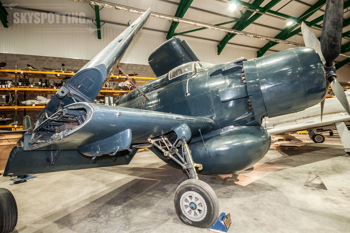 douglas-skyraider-aew1-wt121