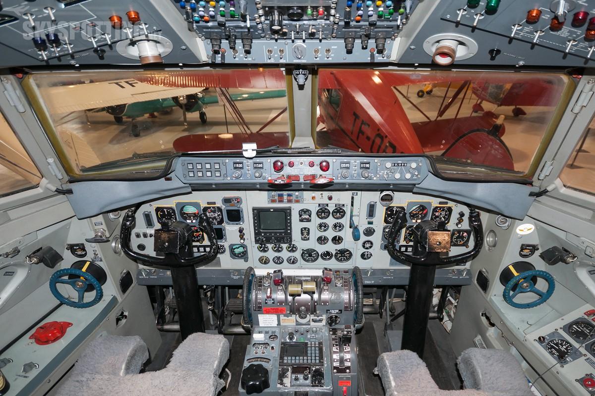Fokker-F27-TF-SYN