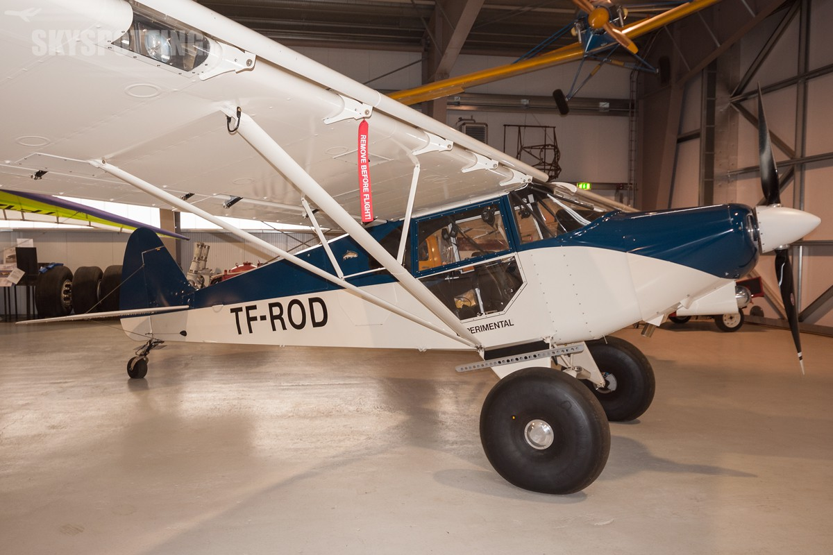 Piper-PA-18-Super-Cub-TF-ROD