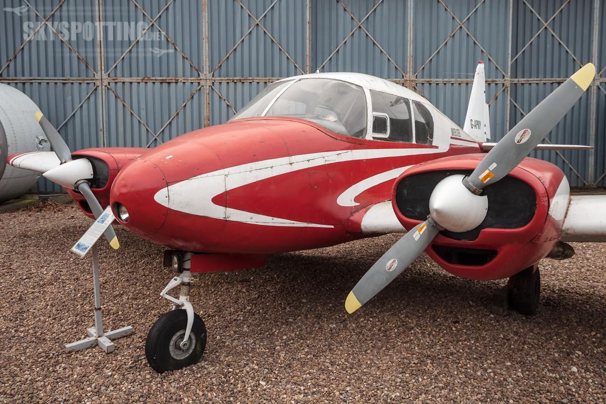 Piper-PA-23-Apache-G-APMY