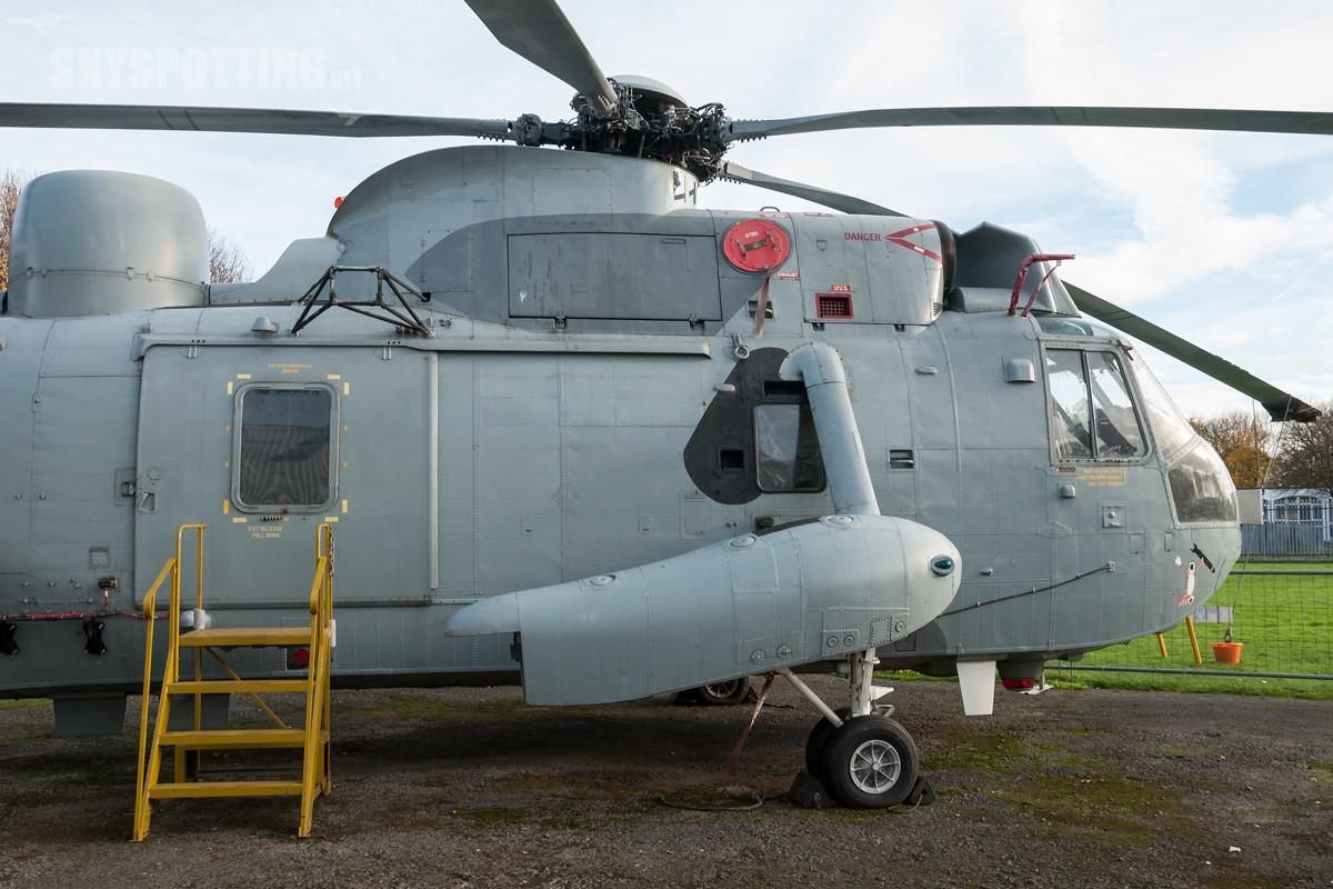 Westland-Sea-King-HAS6-XV677