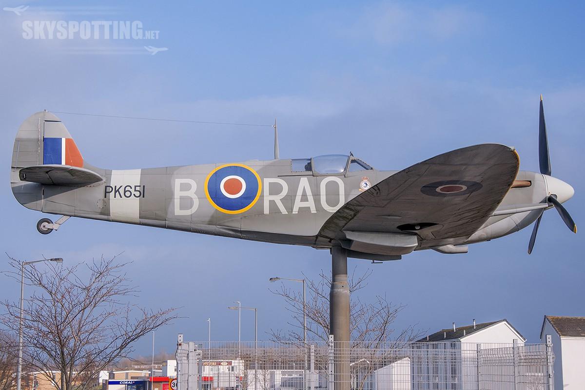 Śladami pomników lotniczych, część 2 – Spitfire (Thornaby on Tees, Anglia)