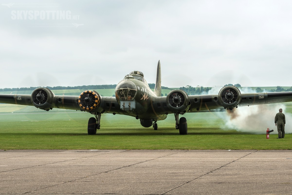 Boeing-B-17G-Flying-Fortress-G-BEDF-3