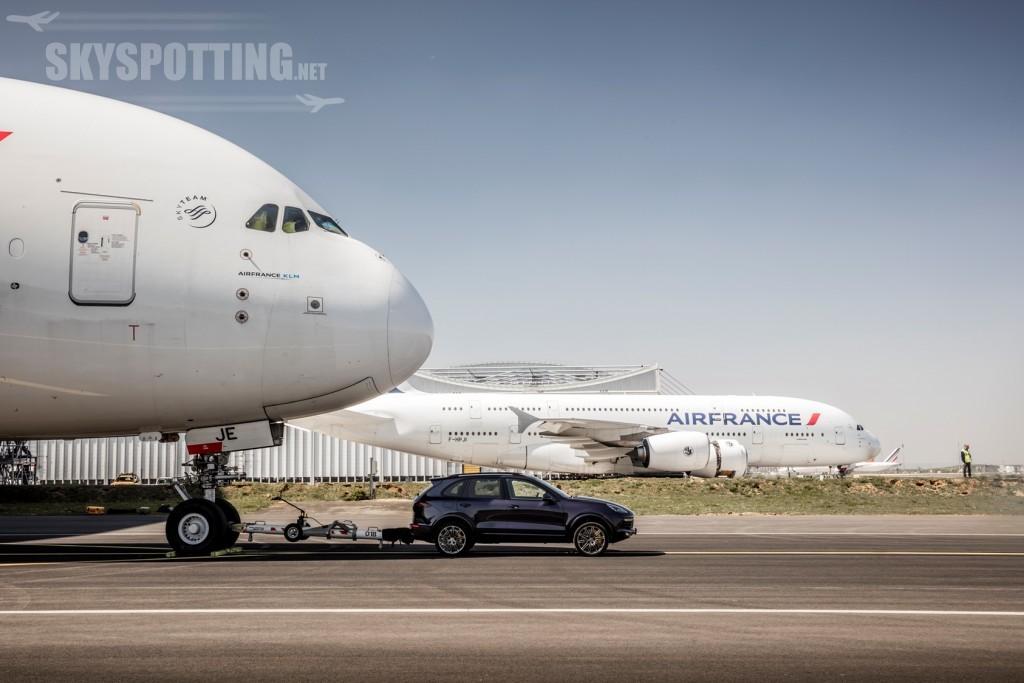 Cayenne holuje Airbusa A380