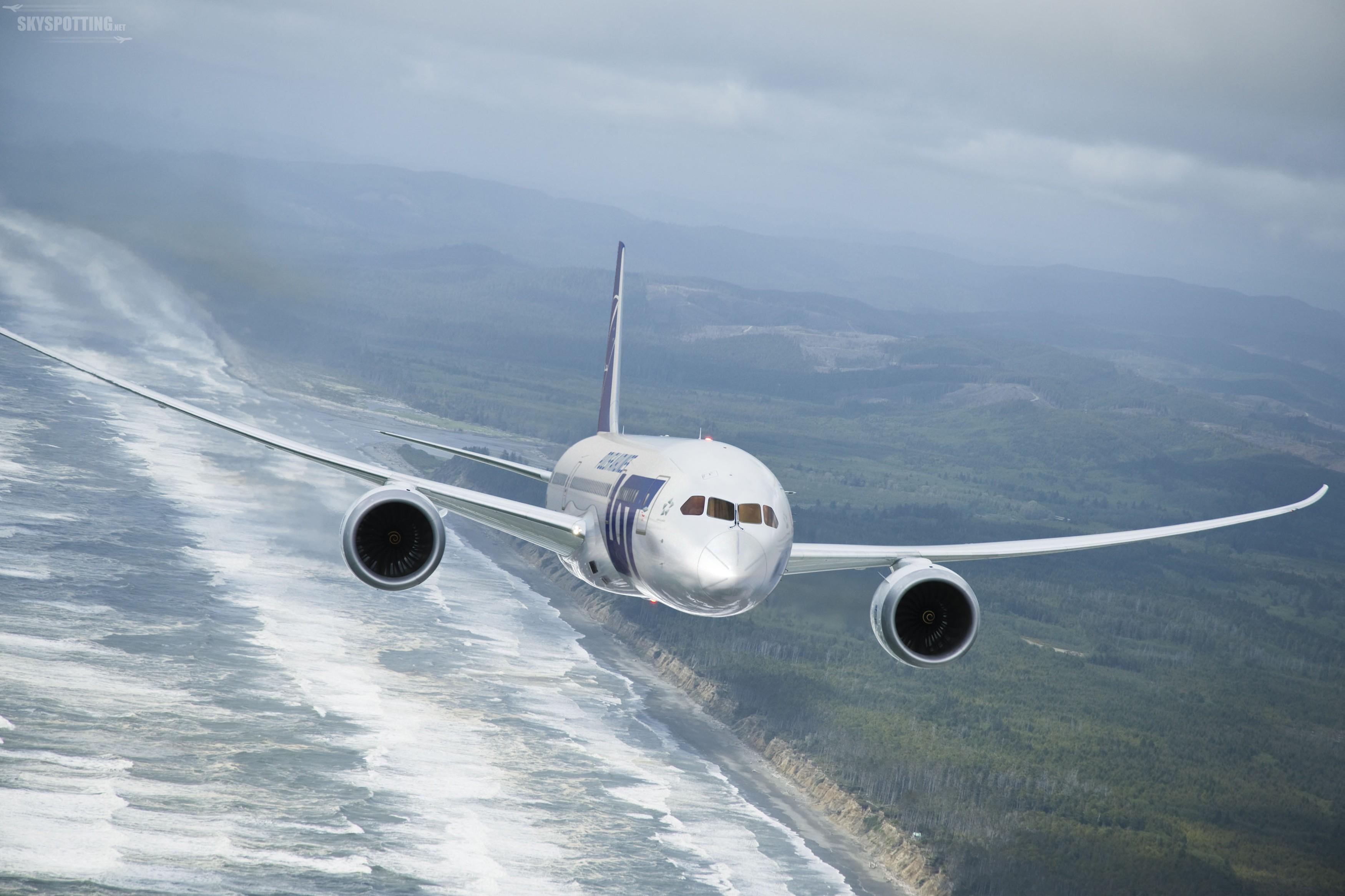LOT zaprezentował siódmego Boeinga 787 Dreamliner we flocie upamiętniającego Cichociemnych Spadochroniarzy Armii Krajowej